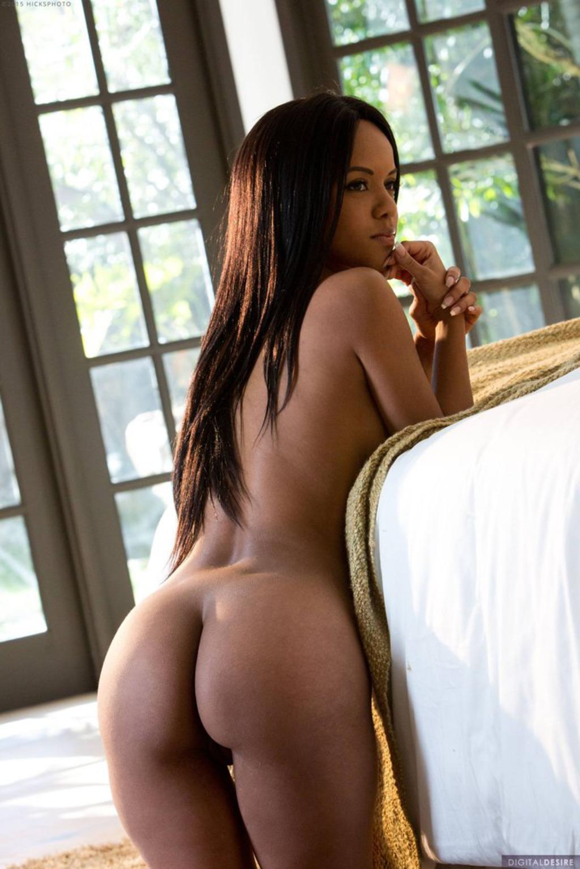 Nude alyssa lee Black Perfection