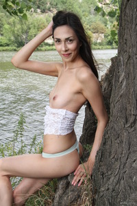 Lady Cate Shows Her Small Pussy Near River