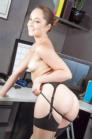 The Hottest Naked Photoshoot Remy Lacroix