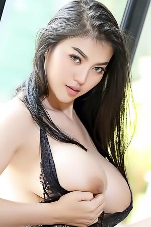 Nude pitta Pitta Model's