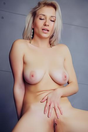 Isabella d nude