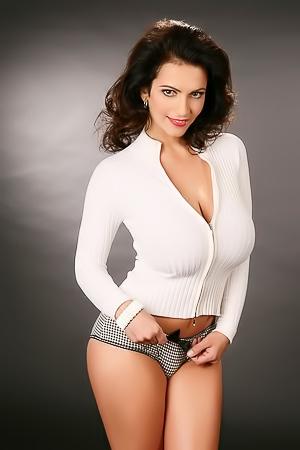 Denise Milani Nude Pic