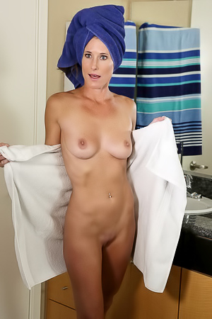 Nude sofie marie Yes Porn