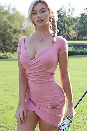 Hot Golfer Lucy Robson